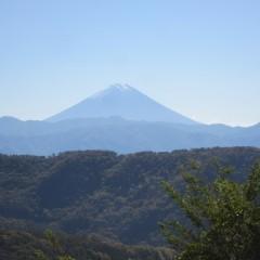 雲一つ無い空に富士山