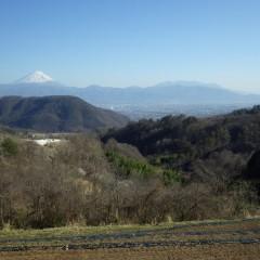 休憩中に見える富士山と甲府の街並み