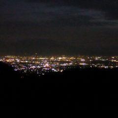 片付けが終わった時には甲府の街に煌々と明かりが灯っていました