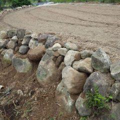 石垣を積み直して完了