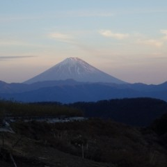 夕日に照らされた富士山