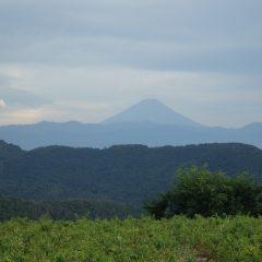 作業が終わると富士山に笠雲が掛かりました